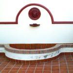 Obra interior: fuente, cocina, chimenea y cuadra
